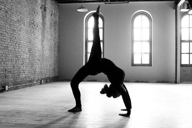 yoga-black